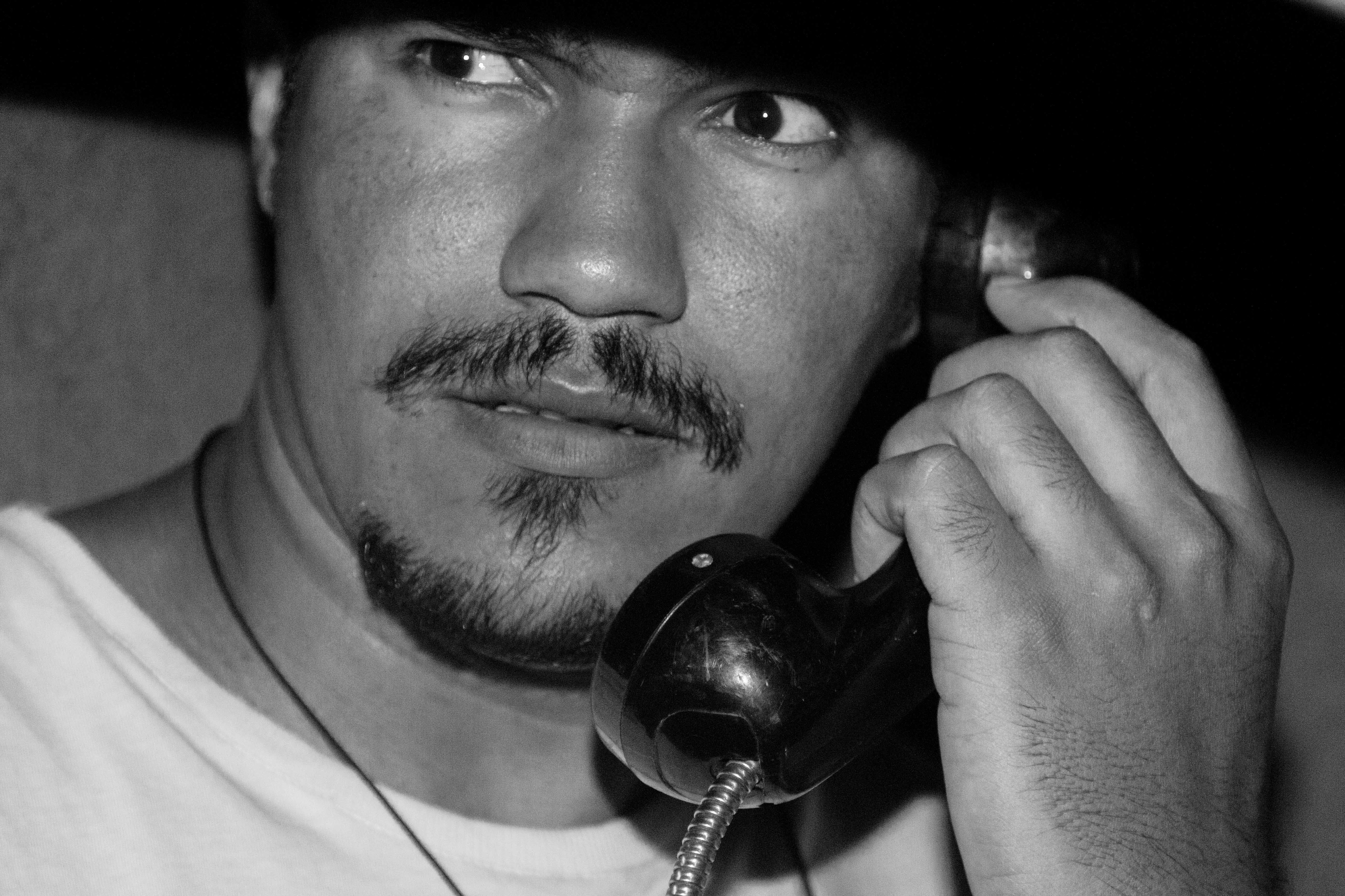 как звонить с чужого номера, как мошенники звонят с чужих номеров, как звонить с чужого номера телефона, мобильные мошенники, мошенники мобильный телефон, мошенники звонят на мобильный, мошенники мобильных банка, мошенники звонят на мобильный телефон, мошенники звонят на мобильный телефон из банка, мобильные номера мошенников, мошенники через мобильный, могут ли мобильные мошенники, телефонные мошенники, мошенники, мошенники кредит, мошенники по телефону, что делать если мошенники, номера телефонов мошенников, банковские мошенники, звонки мошенников, мошенники взяли кредит, мошенники представляются, как узнать мошенника, мошенническая схема, мошенники представляются полицией